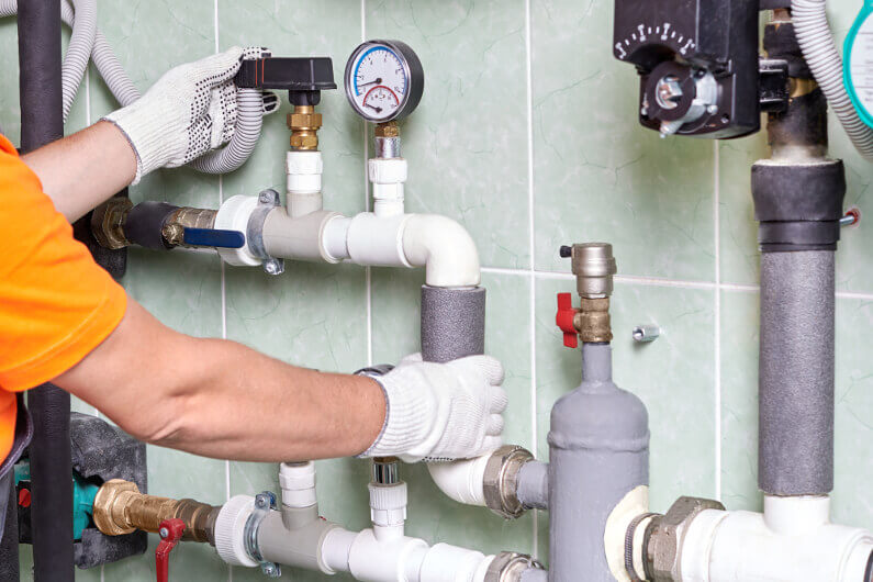 The Main Differences Between Residential and Commercial Plumbing