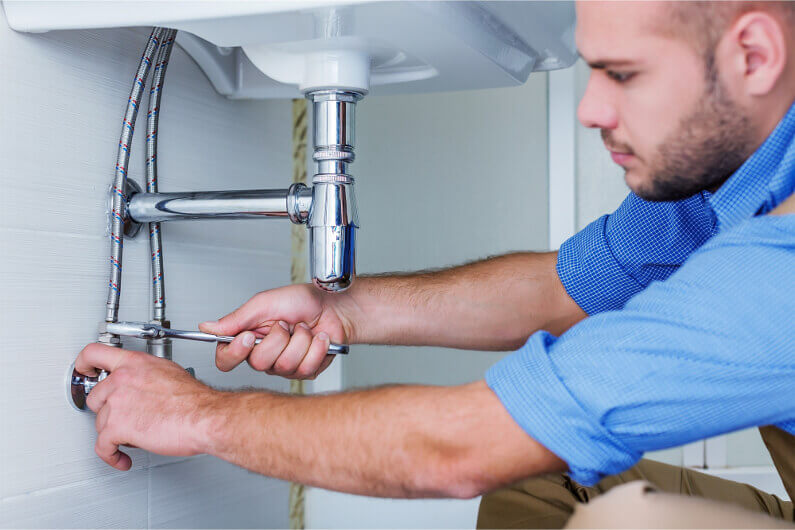 Top 7 Signs Indicating That You Need to Call a Plumber Right Away