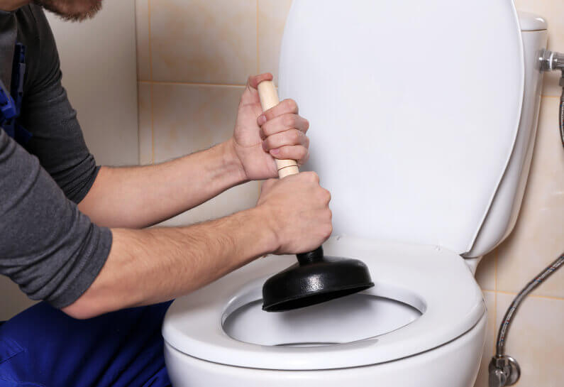 This Is What You Need to Do About an Overflowing Toilet